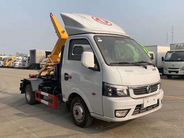 Dongfeng Tuyi hook-arm garbage truck Euro VI emission