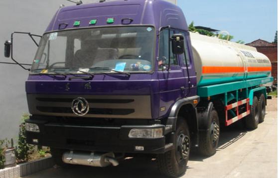 دونغفنغ الجبهة أربعة الخلفية ثمانية مسحوق شاحنة نقل المواد